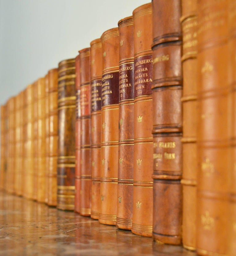 Collection of Leather Bound Books, Series 109 In Good Condition For Sale In London, GB