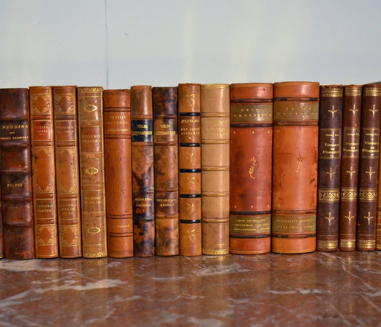 Collection of Leather Bound Books, Series 111 In Good Condition For Sale In London, GB