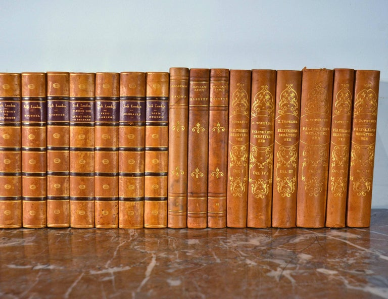 Collection of Leather Bound Books, Series 117 In Good Condition For Sale In London, GB