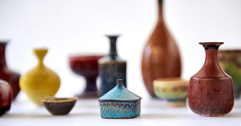 Glazed Collection of Stig Lindberg Miniature Studio Ceramics For Sale