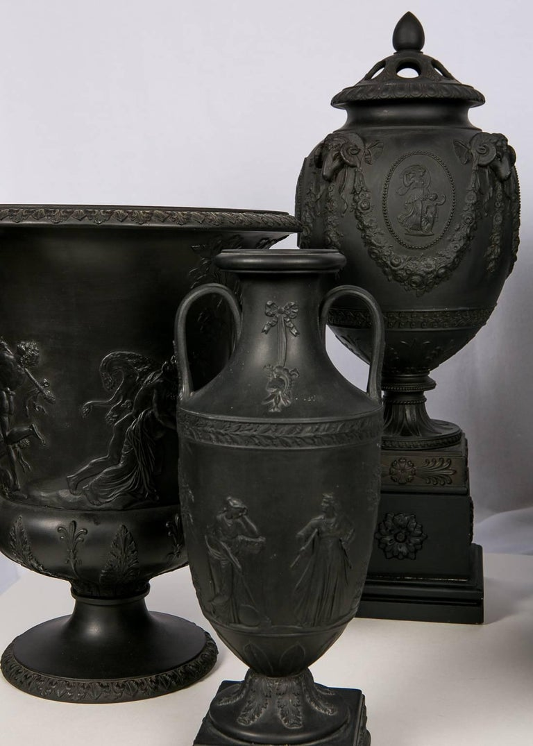 Collection Wedgwood Black Basalt Vases For Sale 2