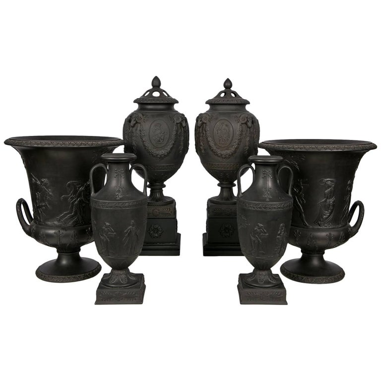 Collection Wedgwood Black Basalt Vases For Sale