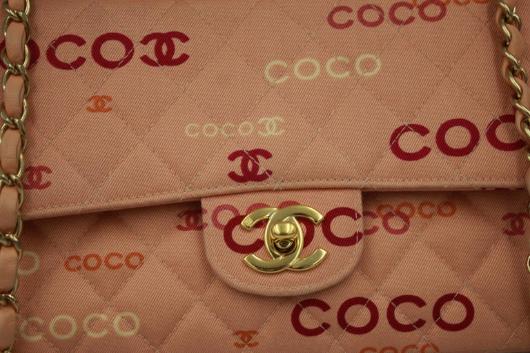 Chanel Coco Chanel pink canvas Timeless. Good condition, some light signs of wear in the canvas.  Size 25x15 With card