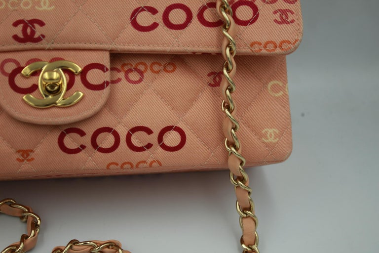 Collector Chanel Timeless bag in Pink Canvas In Good Condition For Sale In Paris, FR