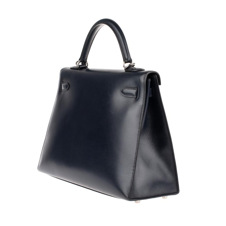 Collector Hermès Kelly 32 handbag with strap in navy blue calfskin box leather! In Good Condition For Sale In Paris, Paris