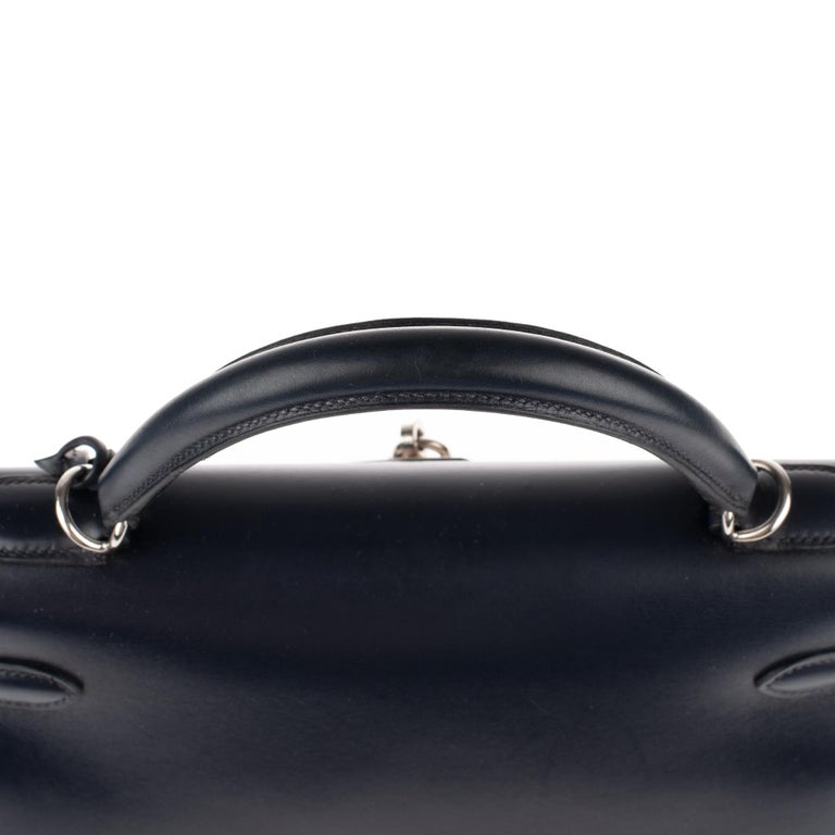 Collector Hermès Kelly 32 handbag with strap in navy blue calfskin box leather! For Sale 3