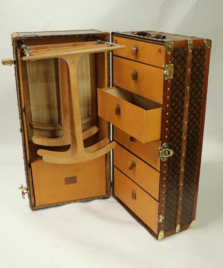 Collector Louis Vuitton Wardrobe Trunk in Monogram stencil canvas 1920/1930's For Sale 6