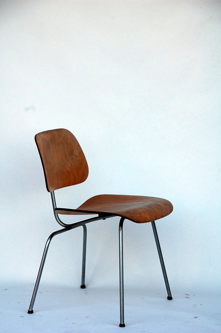 Collector's Early Eames DCM Chair In Excellent Condition For Sale In Los Angeles, CA