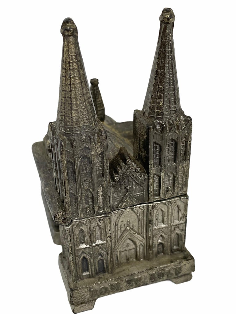 Cologne Cathedral Jewelry Trinket Box Metal, Antique German Souvenir, 1930s For Sale 1