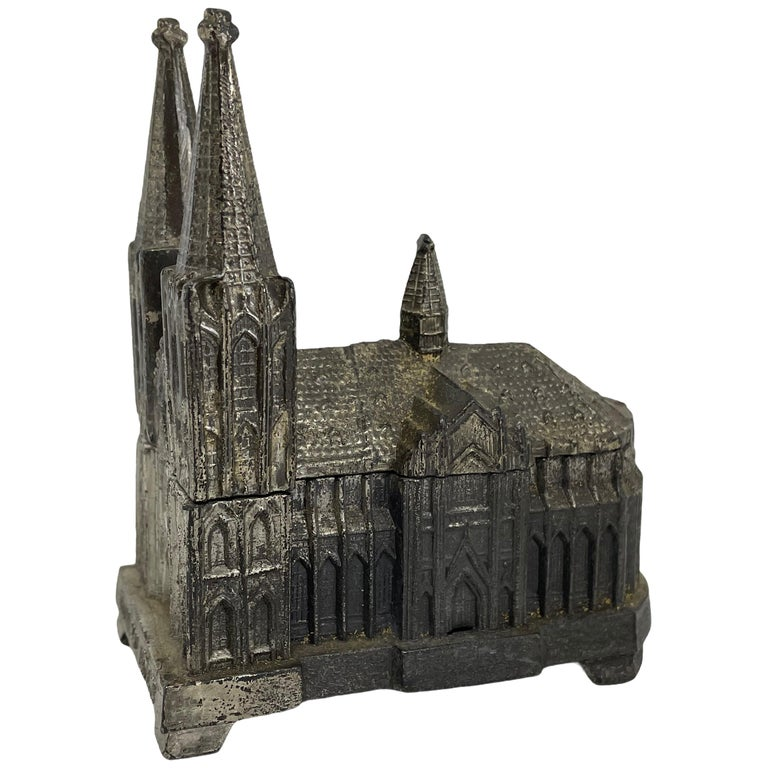 Cologne Cathedral Jewelry Trinket Box Metal, Antique German Souvenir, 1930s For Sale
