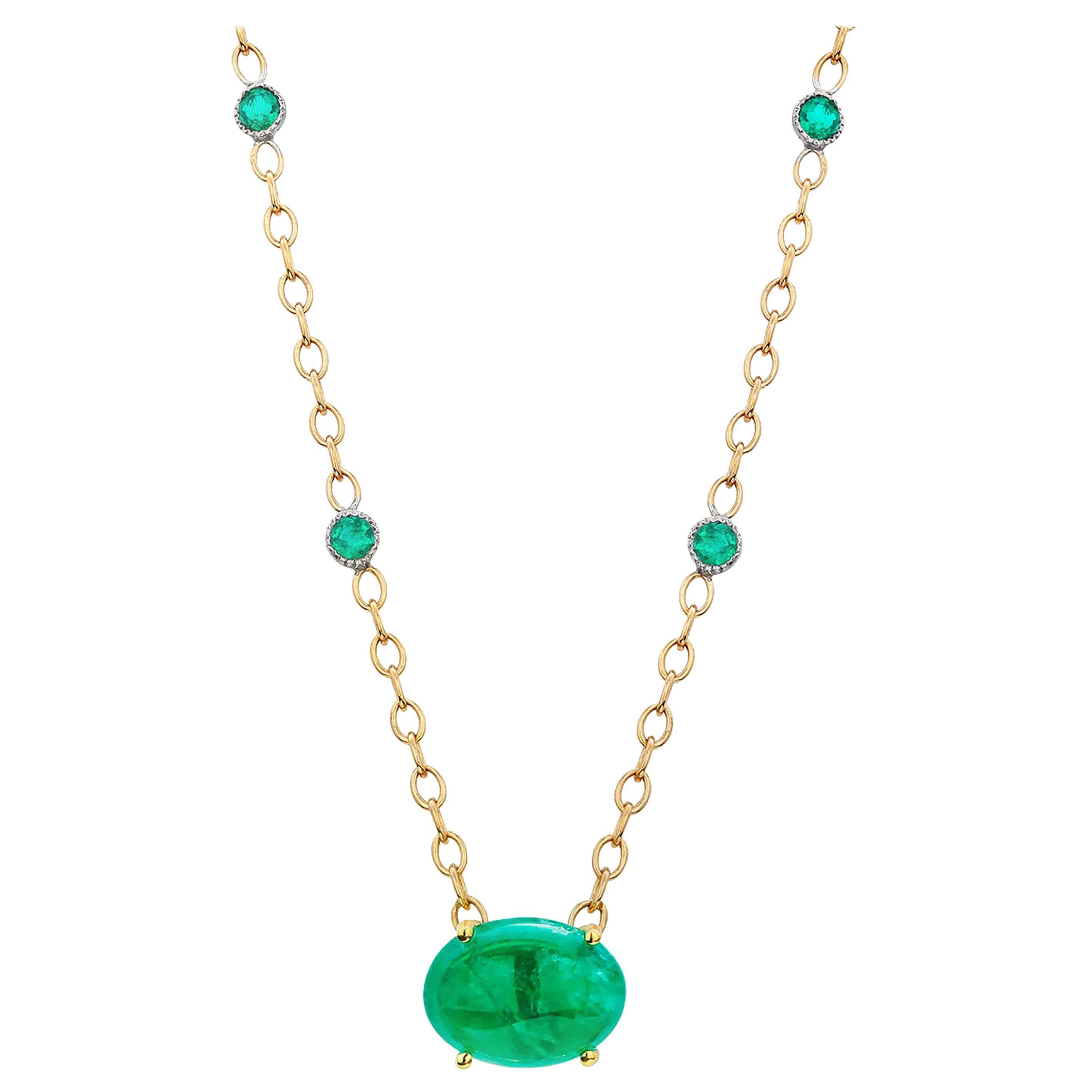 Colombia Cabochon Emerald 18 Karat Yellow Gold Pendant Necklace