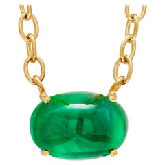 Colombia Cabochon Emerald Weighing 6.53 Carat Yellow Gold Pendant Necklace