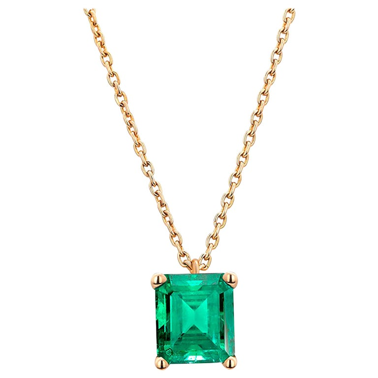 Colombia Green Emerald Yellow Gold Drop Pendant Necklace For Sale