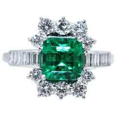Colombia Natural Beryl Emerald 18 Karat White Gold Diamond Ring, 1.97 Carat