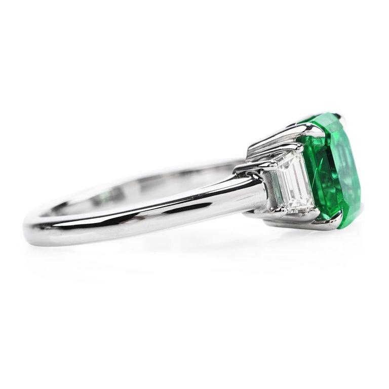 Modern Colombian Emerald AGL 2.62 Carat Diamond Platinum Engagement Ring For Sale