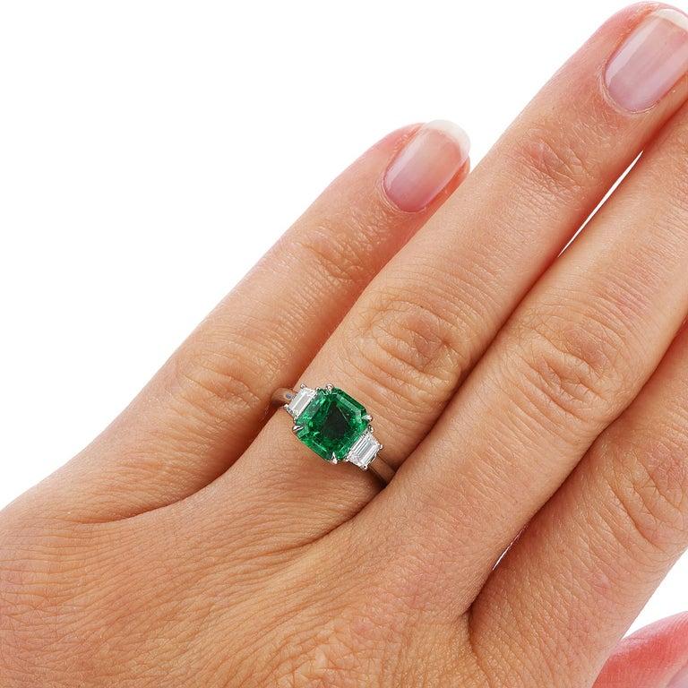 Colombian Emerald AGL 2.62 Carat Diamond Platinum Engagement Ring For Sale 1