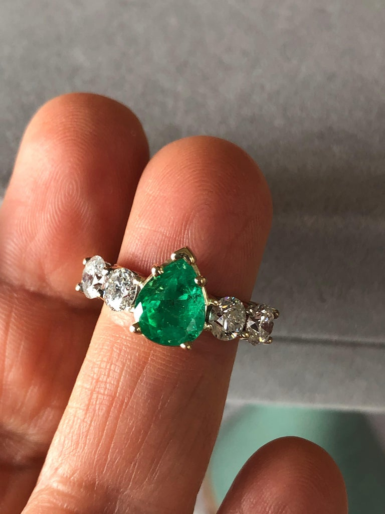 Colombian Emerald and Diamond Engagement Ring 14 Karat For Sale 6