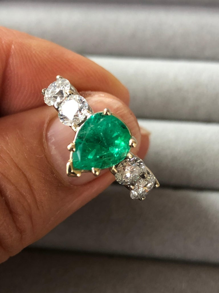 Colombian Emerald and Diamond Engagement Ring 14 Karat For Sale 8