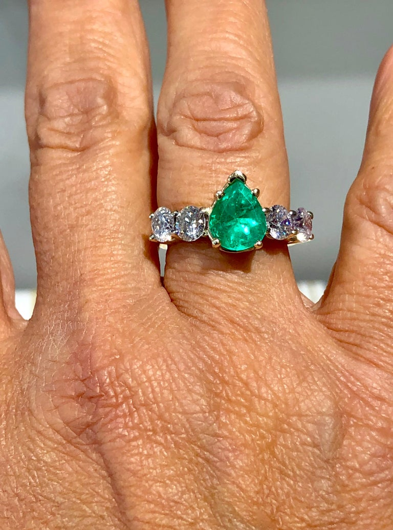 Colombian Emerald and Diamond Engagement Ring 14 Karat For Sale 3