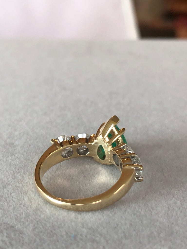 Colombian Emerald and Diamond Engagement Ring 14 Karat For Sale 1