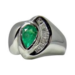 Colombian Emerald and Diamond Ring 18 Karat White Gold
