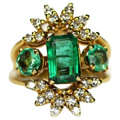 Colombian Emerald and Diamond Ring 2.50 Carat Total Weight