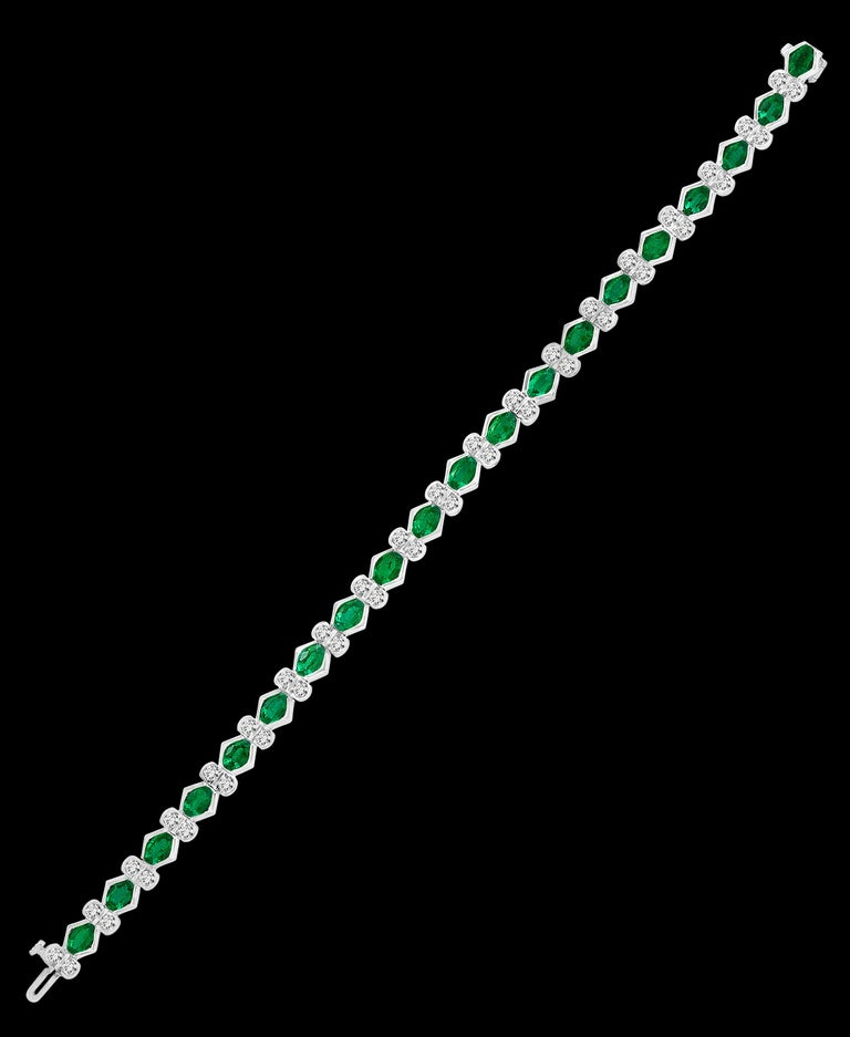 Colombian Emerald and Diamond Tennis Bracelet 18 Karat White Gold, Estate For Sale 6