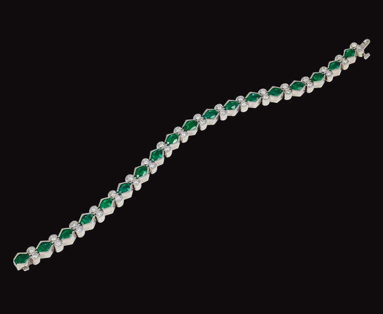 Oval Cut Colombian Emerald and Diamond Tennis Bracelet 18 Karat White Gold, Estate For Sale