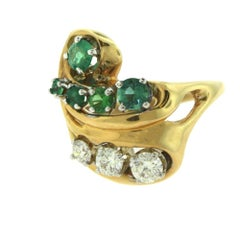 Colombian Emerald and Diamond Yellow Gold Swirl Cocktail Ring