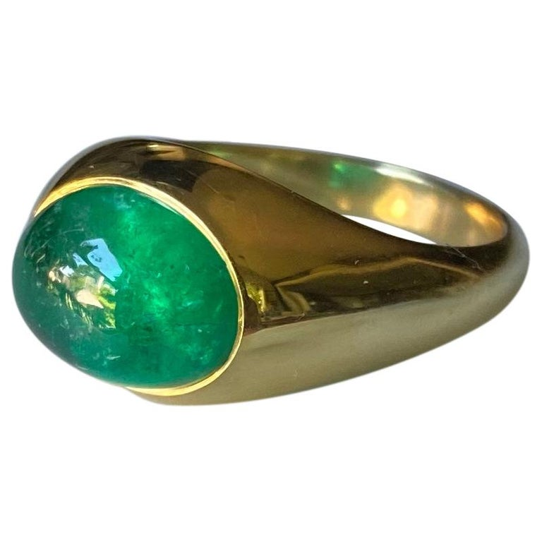 Colombian Emerald Cabochon Ring in 18 Karat Gold For Sale