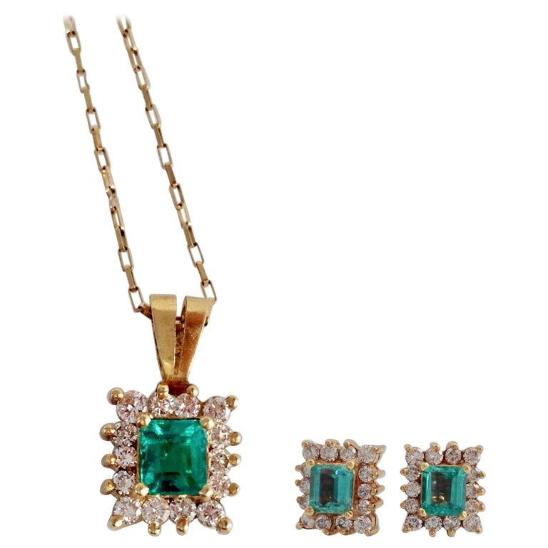 Colombian Emerald Diamond Necklace and Earrings Suite 18K For Sale