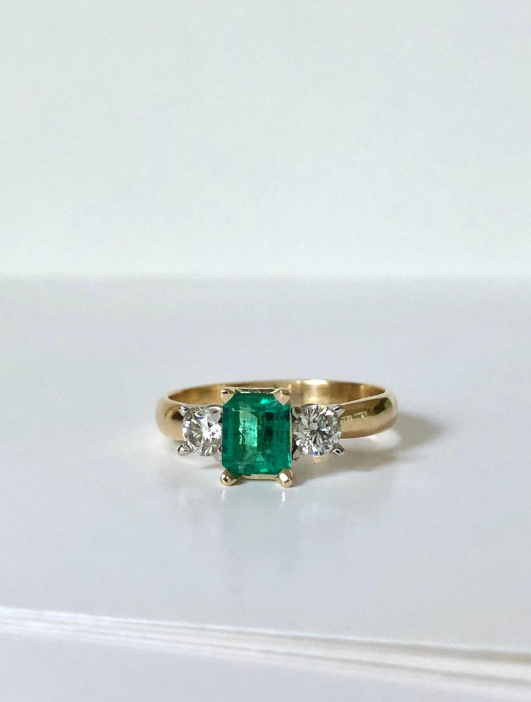 Colombian Emerald Diamond Three-Stone Engagement Ring 18 Karat For Sale 4