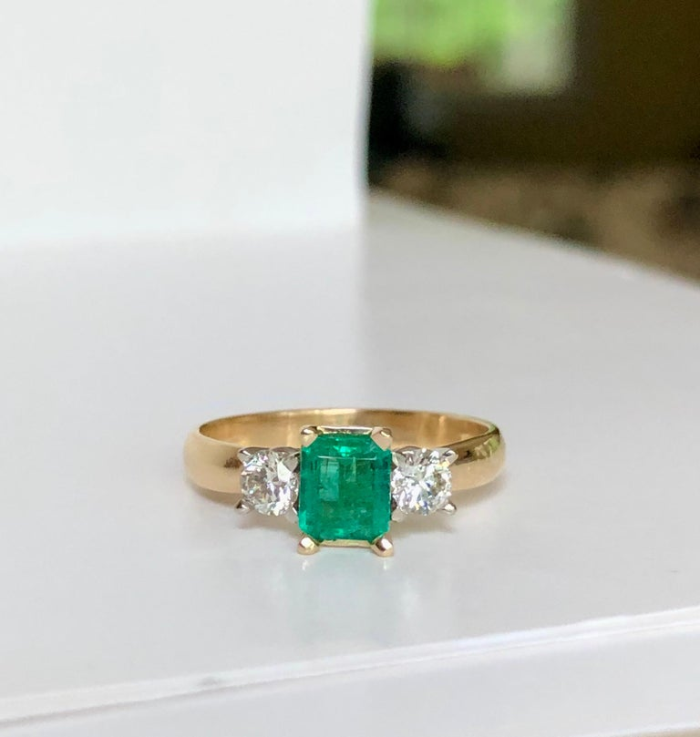 Colombian Emerald Diamond Three-Stone Engagement Ring 18 Karat For Sale 5