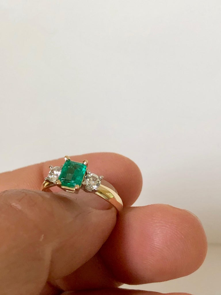 Colombian Emerald Diamond Three-Stone Engagement Ring 18 Karat In Excellent Condition For Sale In Brunswick, ME