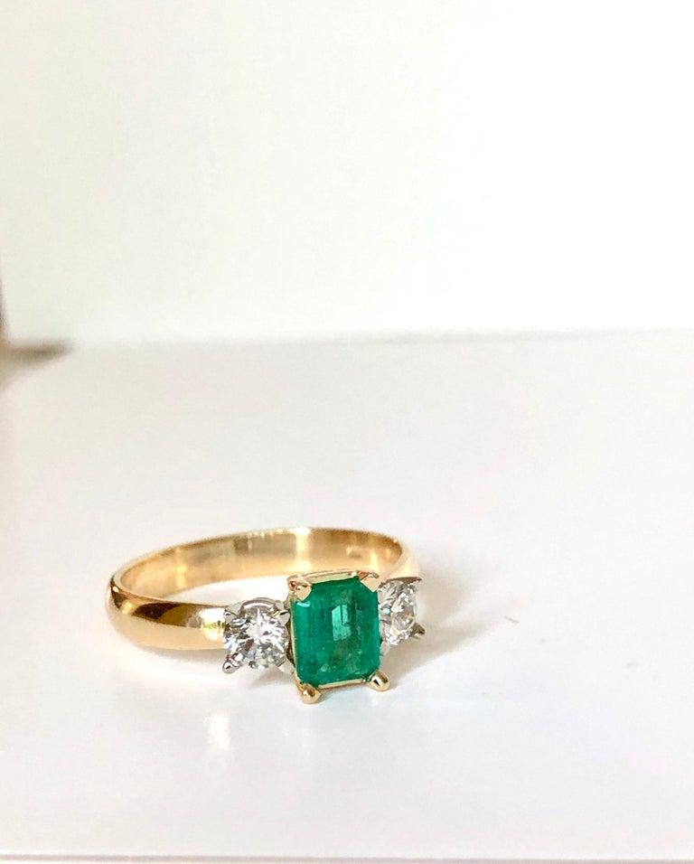 Colombian Emerald Diamond Three-Stone Engagement Ring 18 Karat For Sale 1