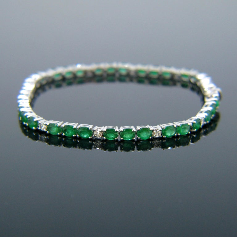 Women's or Men's Colombian Emerald Diamonds Tennis Line White Gold Bracelet For Sale