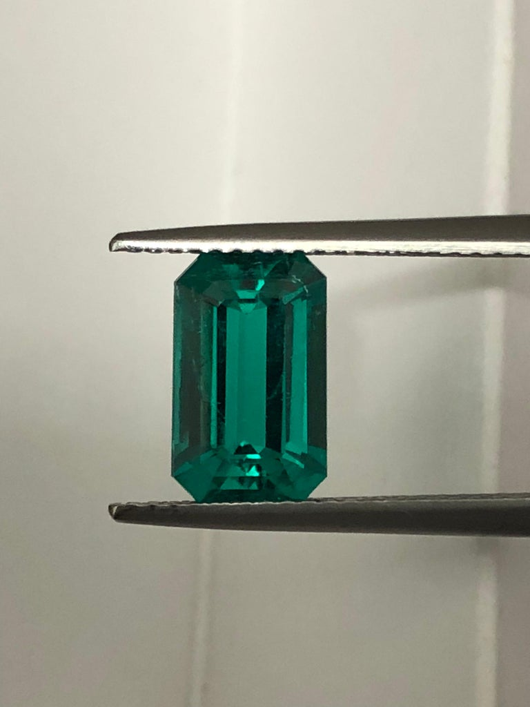 Romantic Natural Colombian Emerald Ring Emerald Cut 2.17 Carats AGL Certified Untreated For Sale