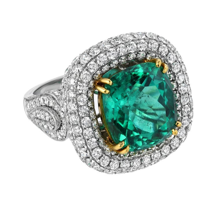 Contemporary Colombian Emerald Platinum Gold Ring Cushion 9.07 Carat Gubelin Certified For Sale