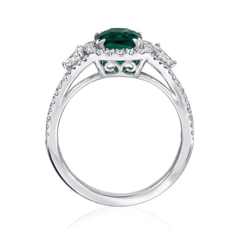 Colombian Emerald Ring Cushion Cut 1.39 Carats In New Condition For Sale In Beverly Hills, CA
