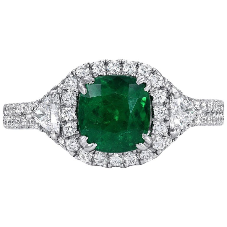Colombian Emerald Ring Cushion Cut 1.39 Carats For Sale
