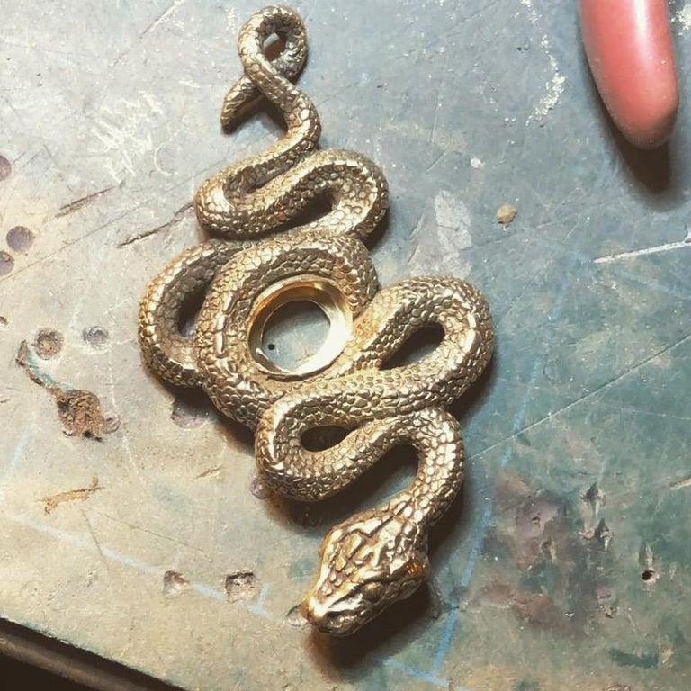 Artisan Colombian Emerald Trapiche Serpent Pendant in 18 Karat Gold For Sale