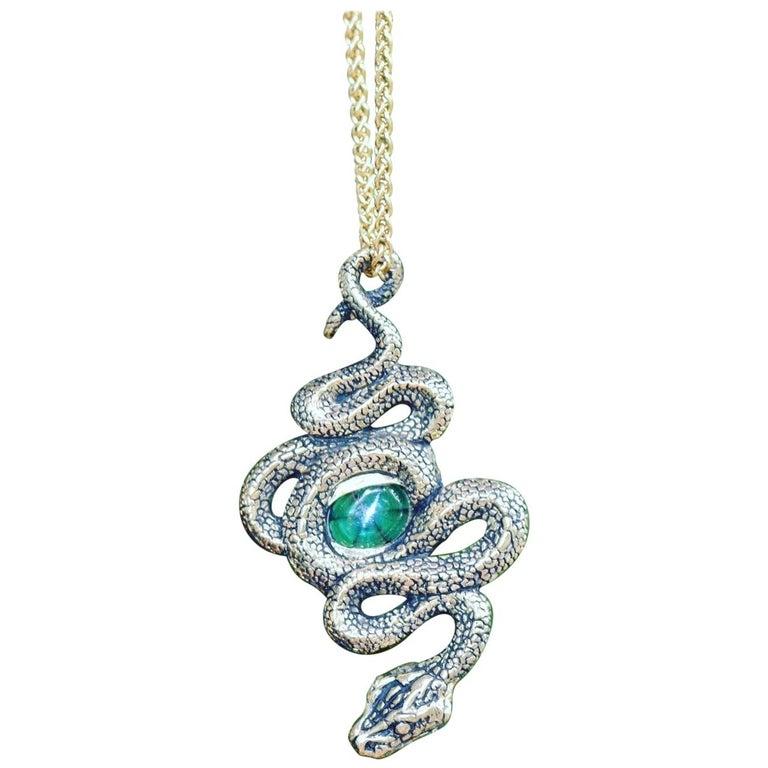 Colombian Emerald Trapiche Serpent Pendant in 18 Karat Gold For Sale