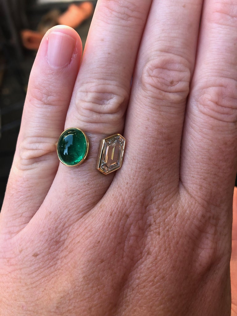 Colombian Muzo Emerald and GIA Fancy Cut Diamond Engagement Ring In New Condition For Sale In Berkeley, CA