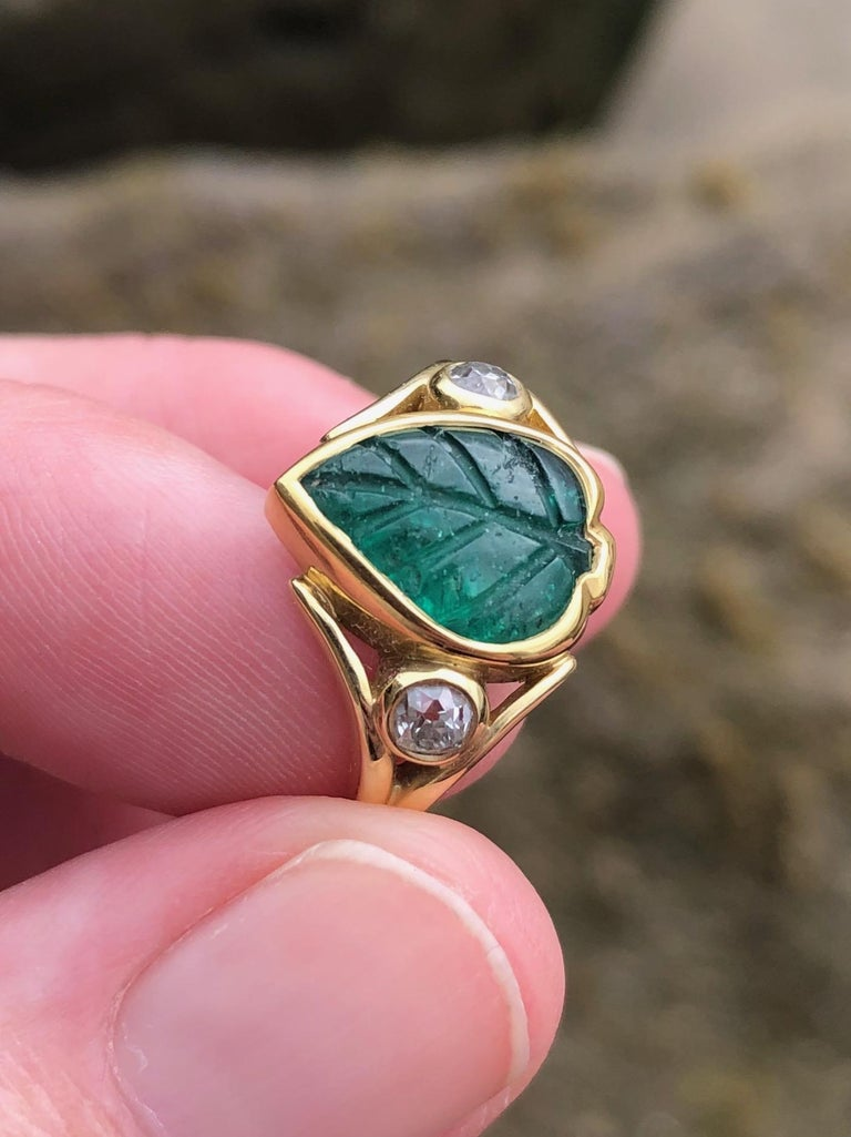 Colombian Muzo Emerald Carved Leaf and Diamond Ring In New Condition For Sale In Berkeley, CA