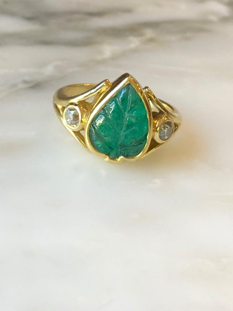 Women's or Men's Colombian Muzo Emerald Carved Leaf and Diamond Ring For Sale