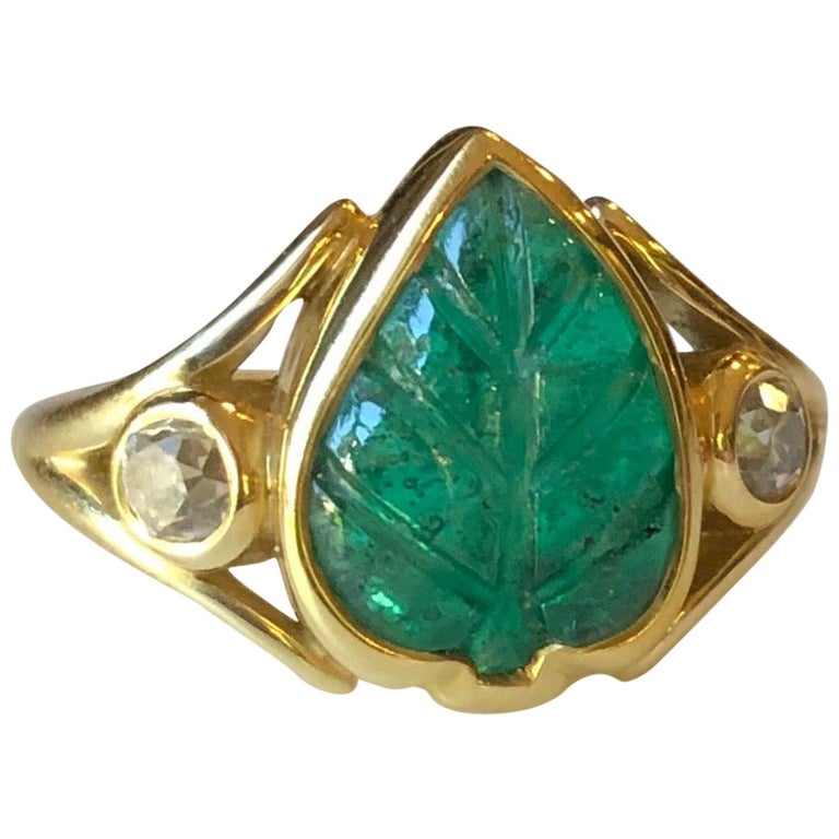 Colombian Muzo Emerald Carved Leaf and Diamond Ring For Sale