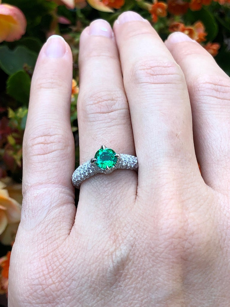 No Oil Colombian Emerald Ring 0.79 Carat AGL Certified Untreated For Sale 5