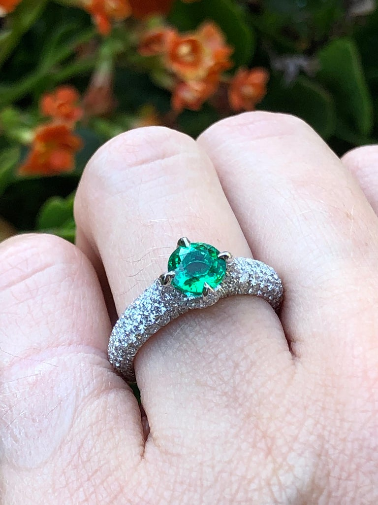 No Oil Colombian Emerald Ring 0.79 Carat AGL Certified Untreated For Sale 2