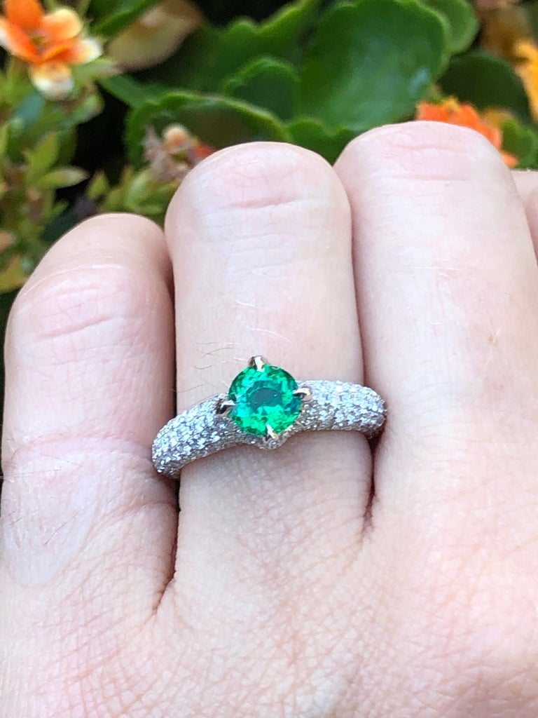 No Oil Colombian Emerald Ring 0.79 Carat AGL Certified Untreated For Sale 3