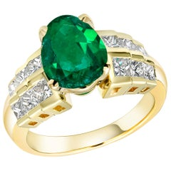 Colombian Pear Shape Emerald Diamond Cocktail Ring Weighing 4.26 Carat